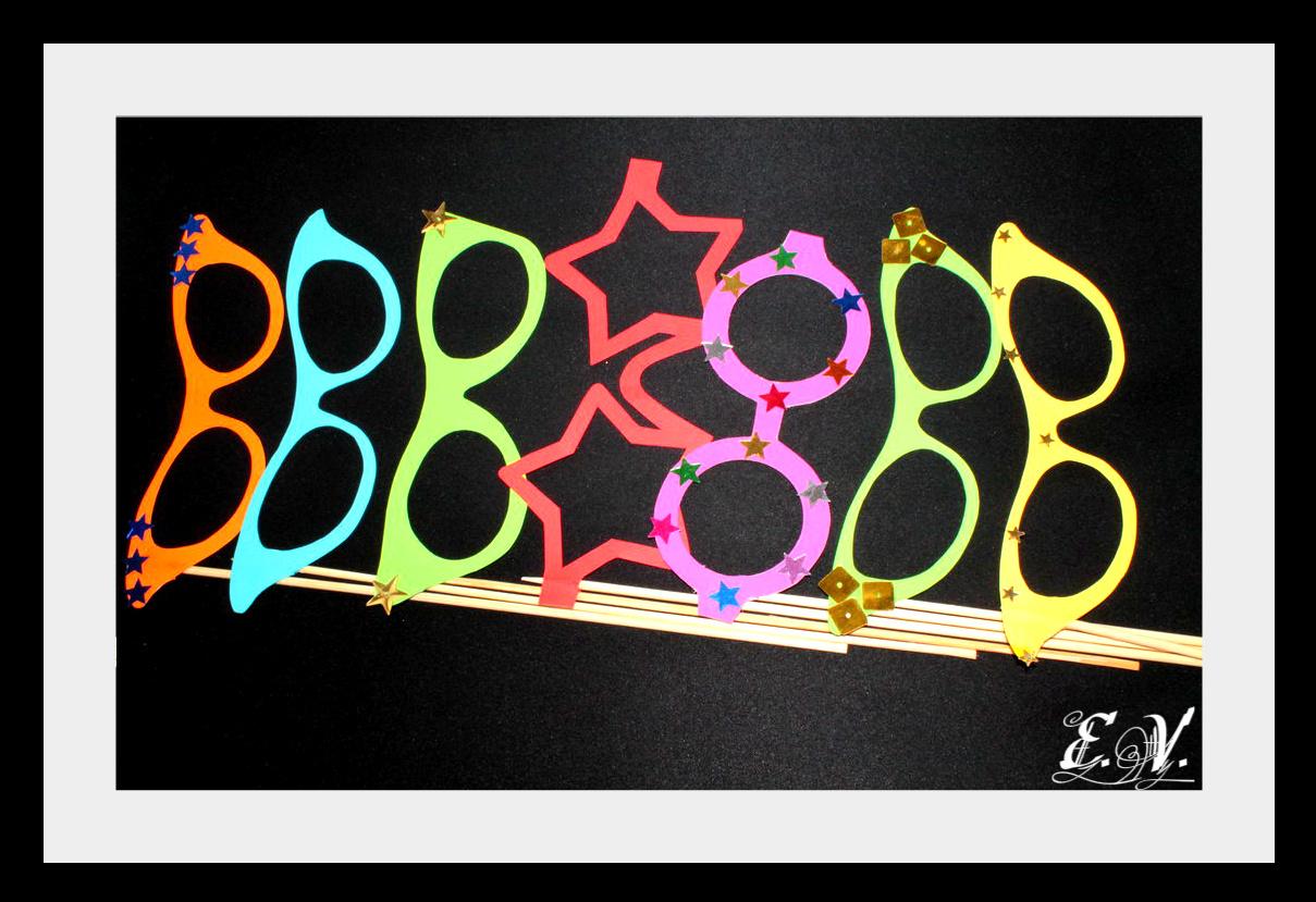 foto aksesuaru18 Реквизиты для фототеатра: разноцветные очки.