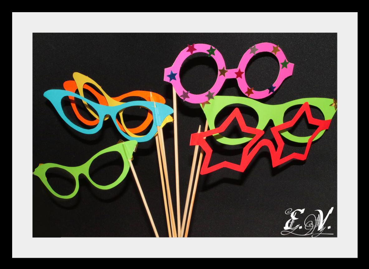 foto aksesuaru19 Реквизиты для фототеатра: разноцветные очки.