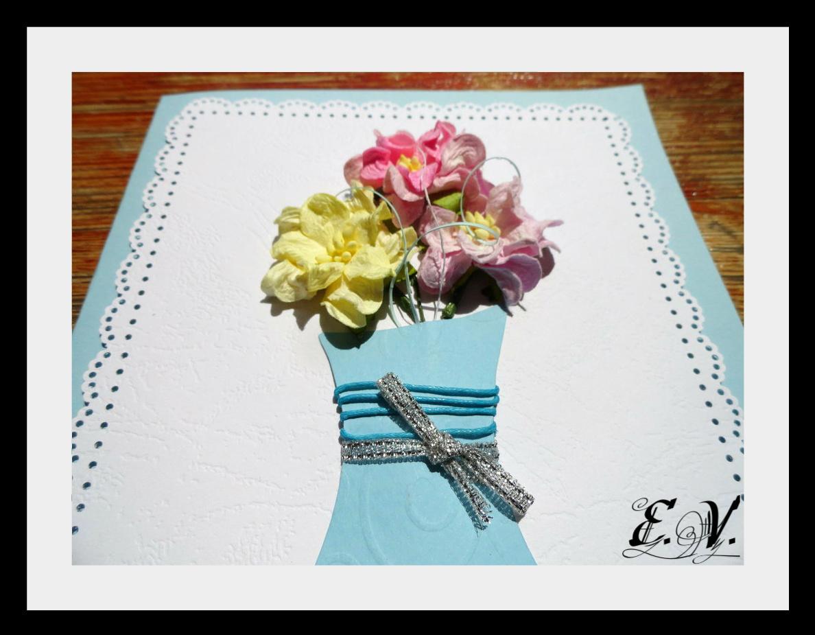 cveto4naya vaza1 Еще одна прелестная ваза с цветами